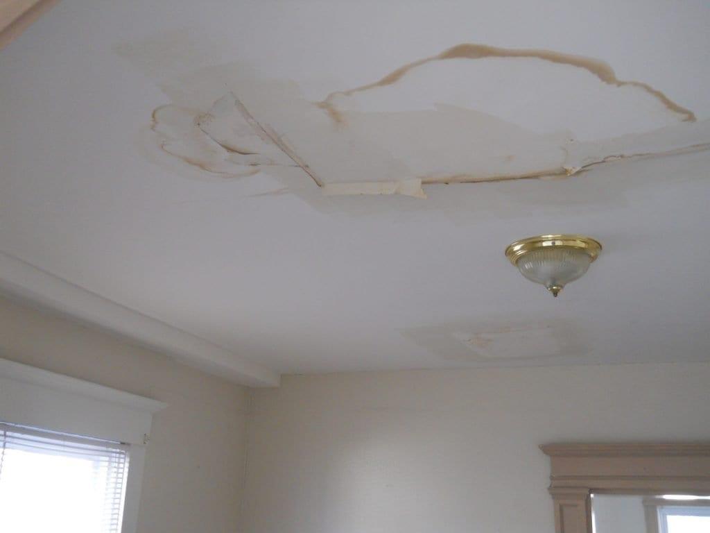 roof leak damage ri